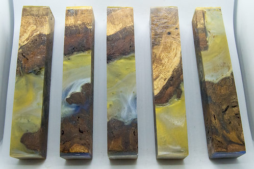 Stabilised Oak Burr with Blue/Yellow