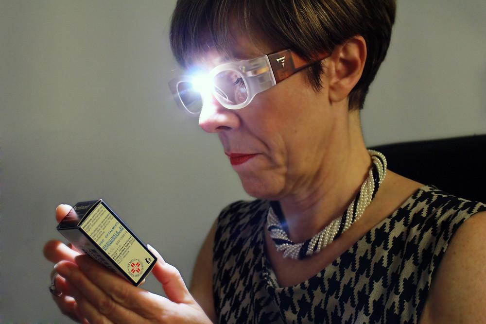 משקפי הגדלה עם תאורת לד עוצמתית - LEDDLES