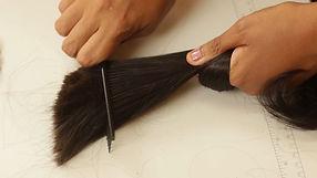 tecelagem limpando cabelo.jpg