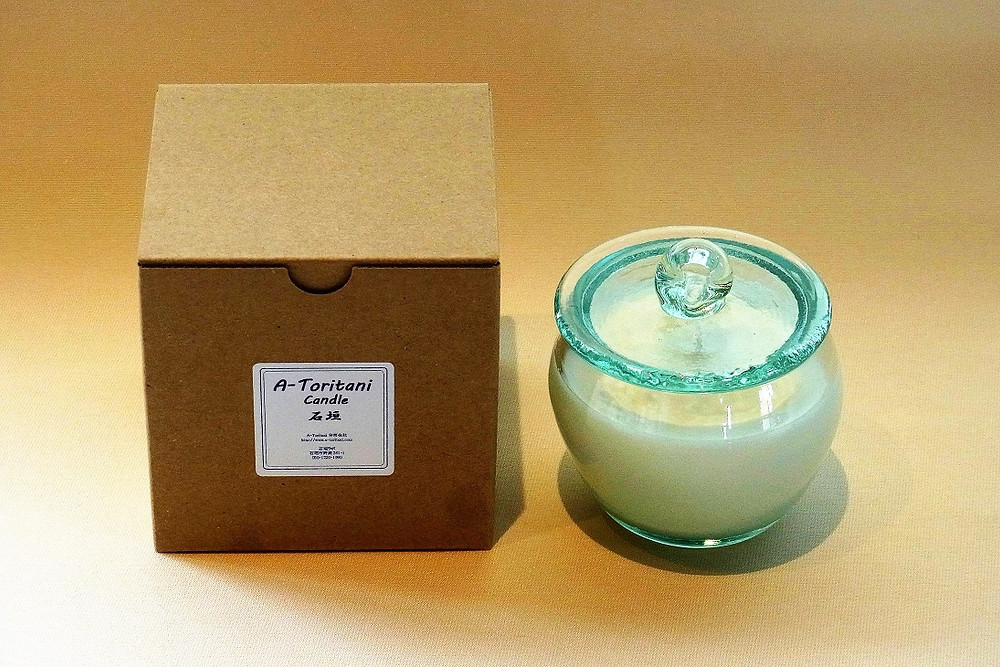 Soy wax candle, cederwood, galbanum, camphor, getto, made in Ishigaki, Japan