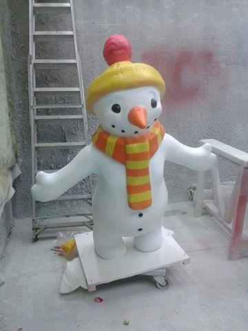 Snowman Spray Painting
