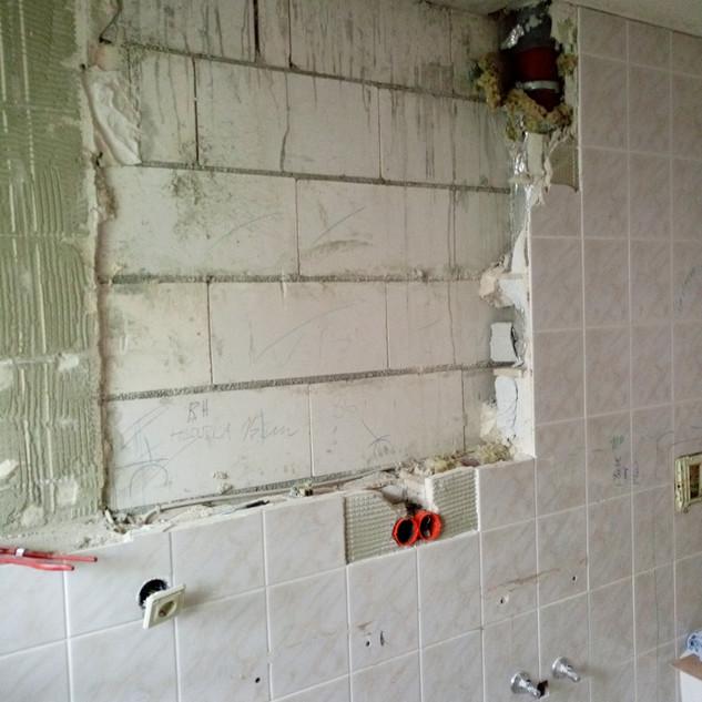 treuehaende -abbruch-renovierung -ulm-entrümpelungen- handwerker-entkernungen- abriss-altbau-sanierung-maler-sanitär