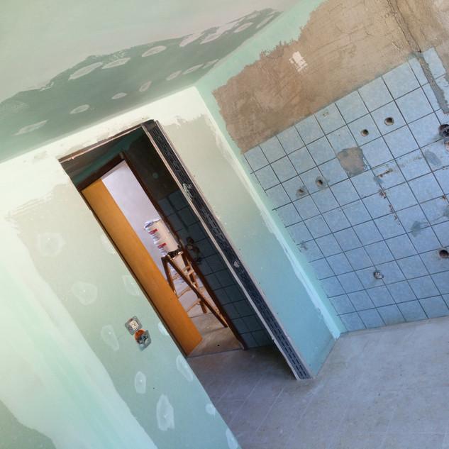 treuehaende-fliesenleger-renovierung-ulm-maler-handwerker-fenster-sanierung-trockenbau-badsanierung