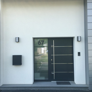 treuehaende-fenster-renovierung -ulm-türeeinbauen-handwerker-entkernungen-abriss-altbau-sanierung-maler-montage-renovierung-altbausanierung-fliesenleger-elektriker-aluminiumfenster