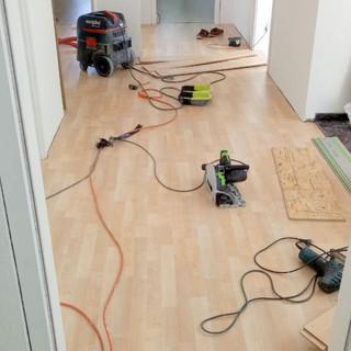 treuehaende-laminat-renovierung-ulm-maler-handwerker-allrounder