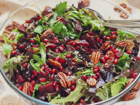 Sugestão de Natal - Salada de Inverno com romã, beterraba e noz pecan