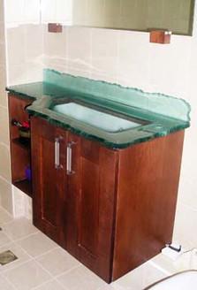 כיור מותאם לארון מקלחת