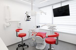 """מרפאת השיניים של ד""""ר אלכסיי רחמנוב"""