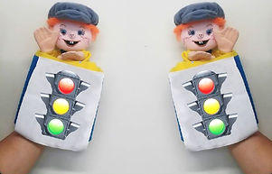 בובות max בדרכים