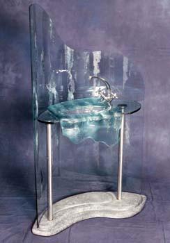 כיור על בסיס שיש בחלל וזכוכית