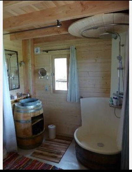 salle de bain cabane st jean de blaignac