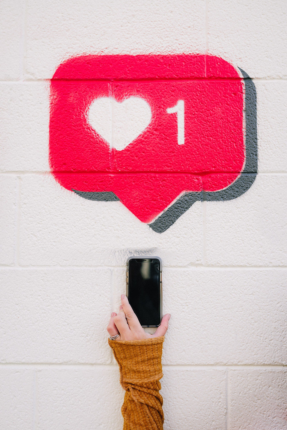 Curating a Positive Social Media Space | The Chirp by Byrd Haus
