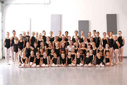 2019-2020 Company Picture.JPG