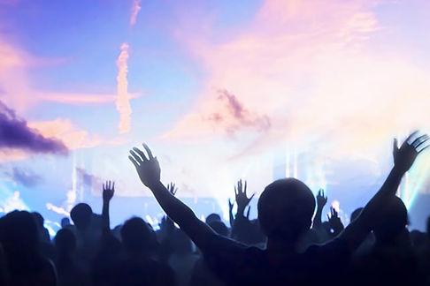 20180906-Worship-Congregation-Sings-Louder.jpg