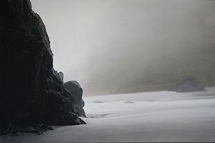 art, painting, sand, black cliff, mysterious,Falaise sombre et abrupte, plage de sable. Brume, mystère.