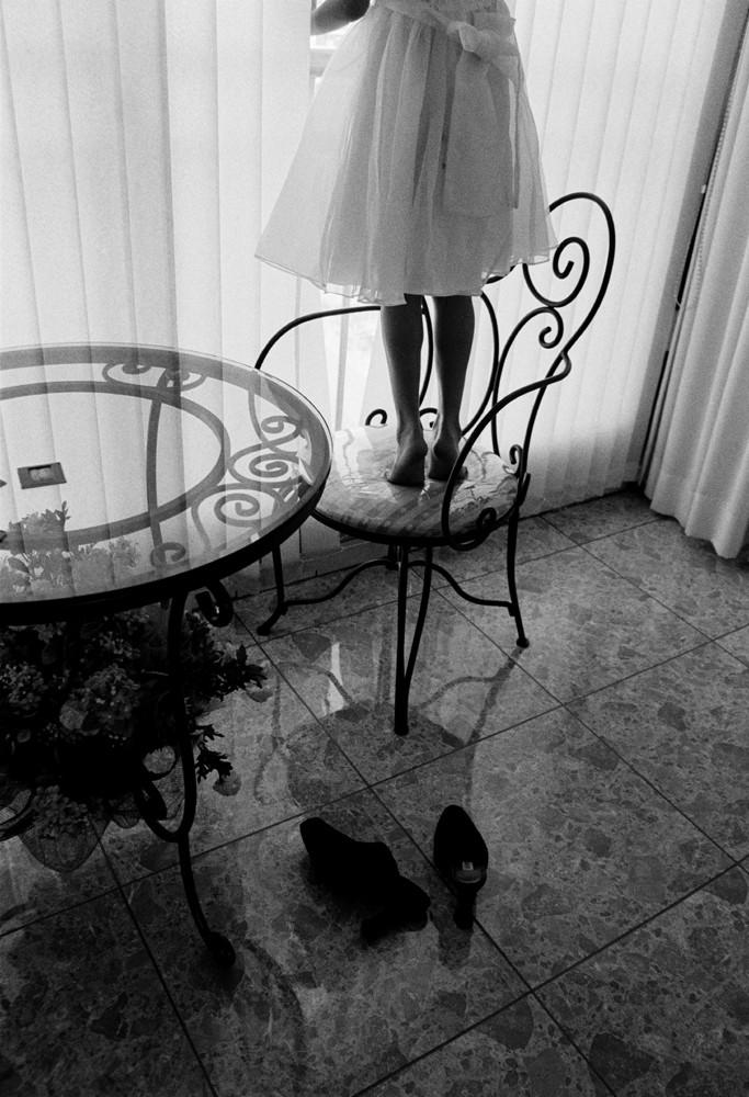 13 인효진_Playing House of the Doll _ High Heel, 28×36cm, Pigment Print, 1999.jpg