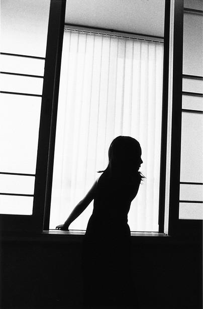 11 인효진_Playing House of the Doll _Silhouette, 28×36cm, Pigment Print, 1999.jpg
