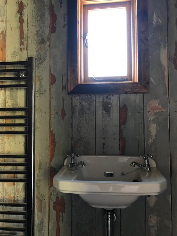 Wool Hut Bathroom