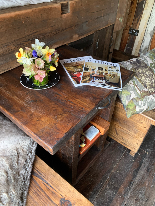 Wicket Hut Table