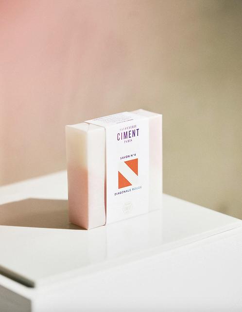 Ciment Paris — Savon Surgras Diagonale rouge Crème de miel