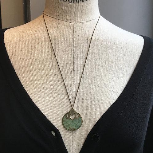 Amélie Blaise — Collier mi-long Épanouie 6 vert d'eau