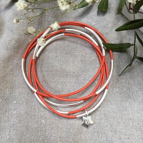 Sence — 5 Bracelets cuir rouge orangé et laiton argenté