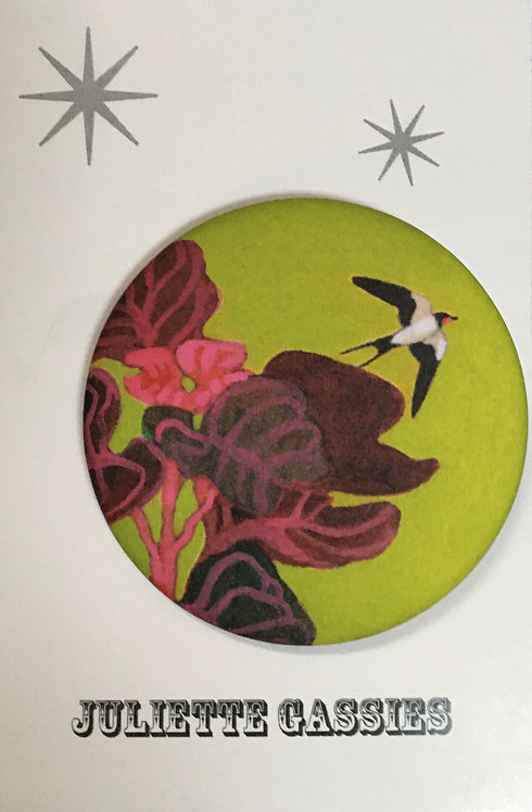 Juliette Gassies — Badge hirondelle fond vert