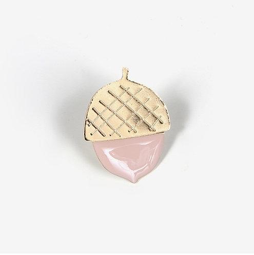 Titlee — Pin's Acorn