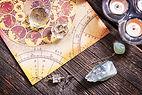 占星術、クリスタル