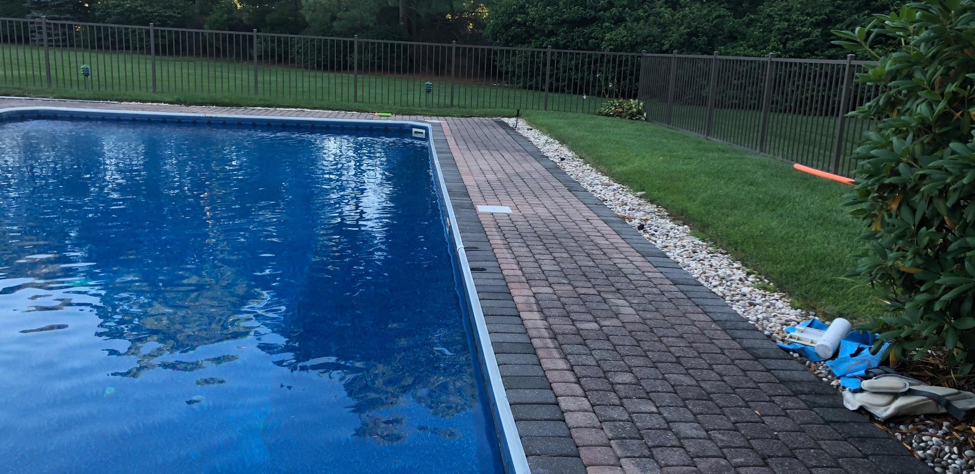 Pool Fence Installer