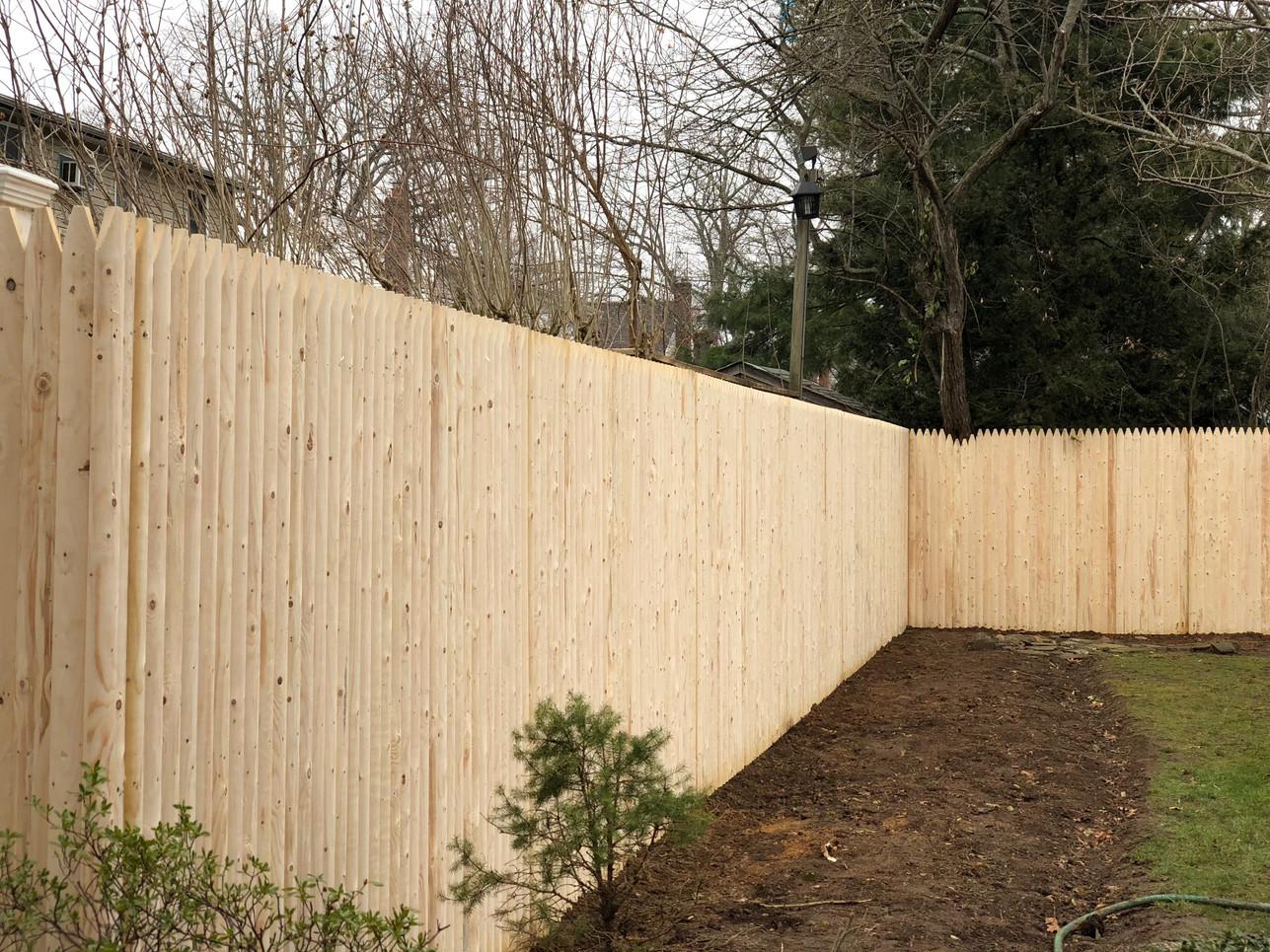 Wood Fence Installer