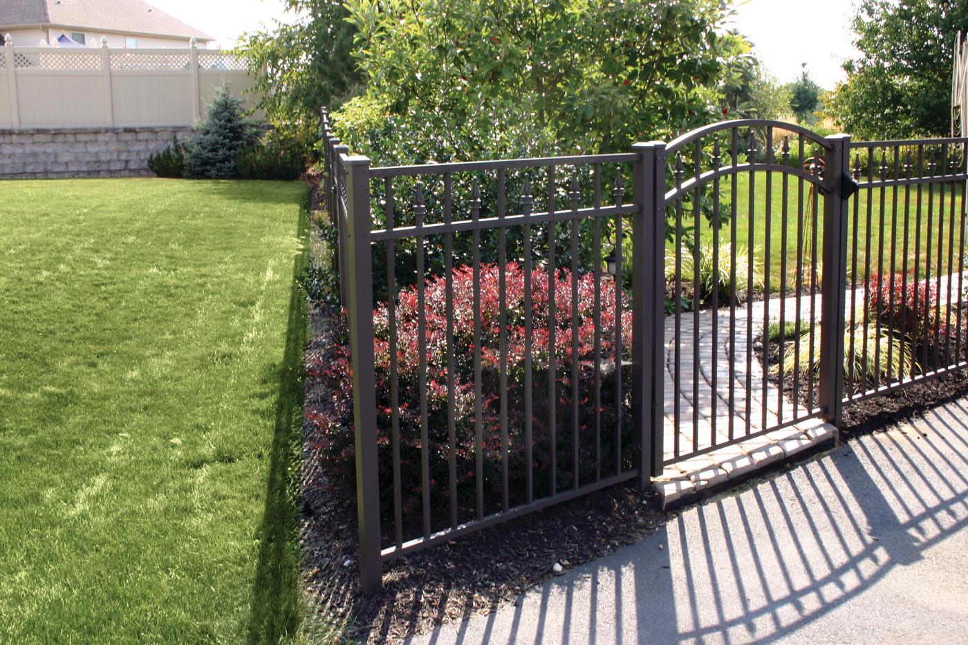 Aluminum Fence Installers