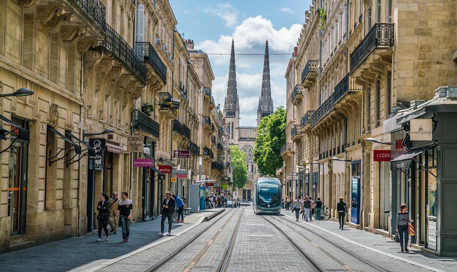 Bordeaux à destination des particuliers : de 150 000€ à 400 000€. T2, T3 et T4.