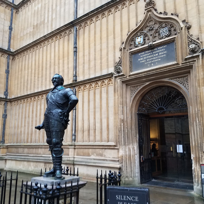 Duke Humfrey's Library Entrance - Hogwart's Library
