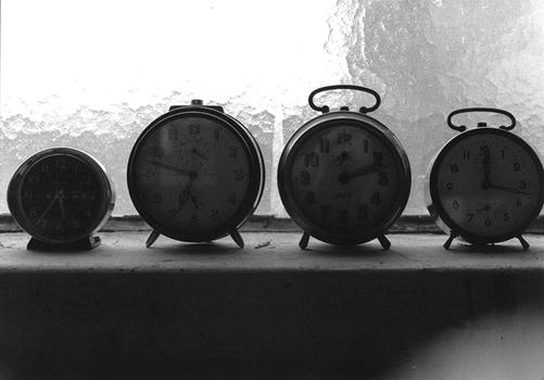 alarm clock-5.png