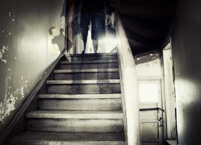 רוחות בקליניקה: נוכחות סמויה בחדר הטיפול