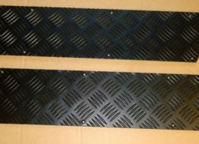 LR709B Black 2mm Defender Front Door Chequer Kick Plates