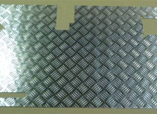 LR83 Silver 2mm 90/110 Chequer plate door card with wiper early type
