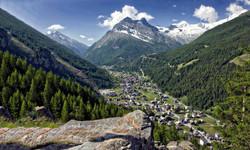 View over Saas-Grund