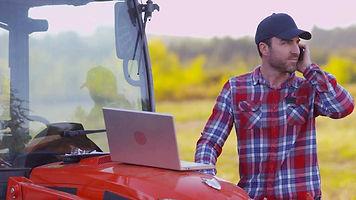 farmer laptop web.jpg