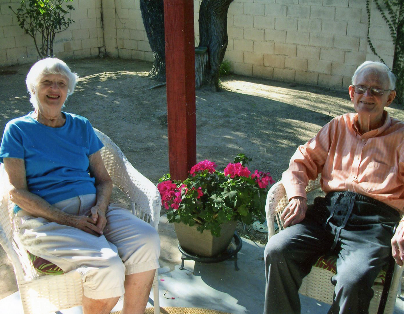 Donna and Lynn Davidson