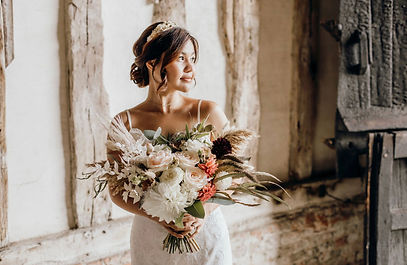 boho bride bouquet image credit to Kate Boston photography