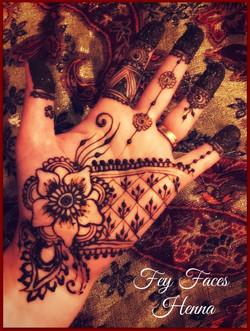 Fey Faces Henna