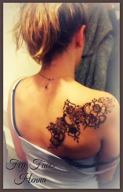 Henna design by Fey Faces