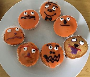 Pumpkin Face Fairy Cakes.jpg