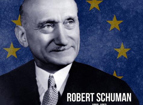 PRZECIWNICY UNII EUROPEJSKIEJ JEDNOCZĄ SIĘ W ŚWIĄTYNI OPATRZNOŚCI BOŻEJ