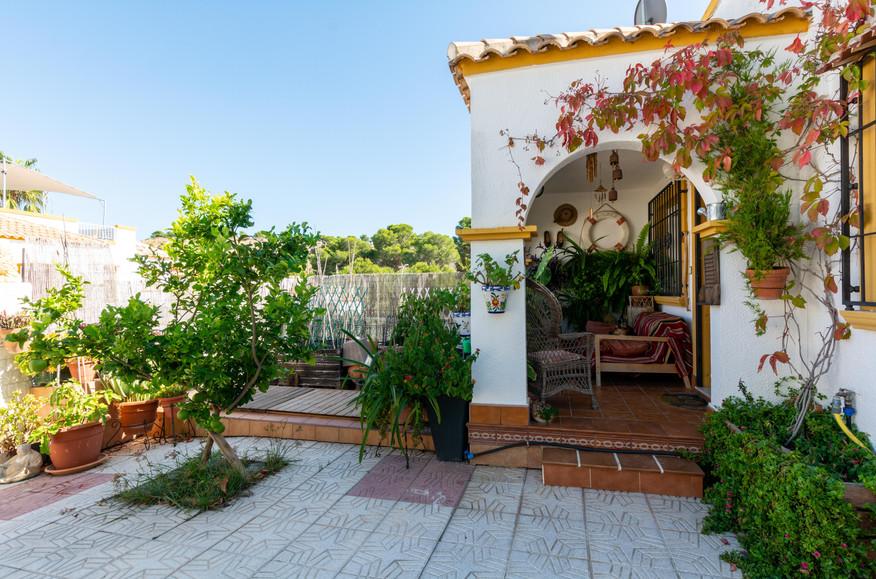 jardin y exterior (1).jpg