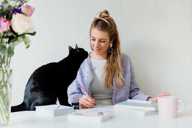 fran-baxter-hunter-cat-wedding-invitatio