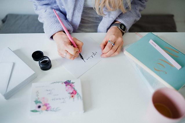 calligraphy-wedding-invitations-hunter-g
