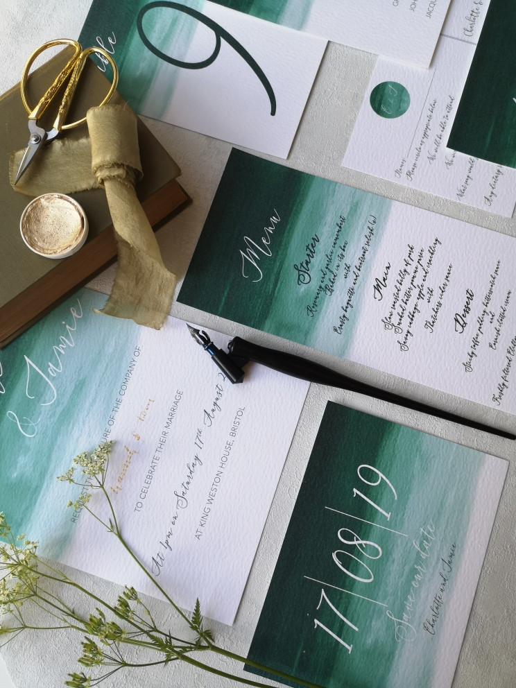 5 top details to include on your wedding invitations, a blog about what information needs to be on your wedding invitations and stationery.